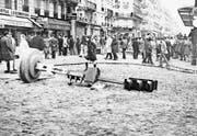 Paris im Mai 1968: Im studentischen Sorbonne-Quartier kam es auch zu chaotischen Szenen. (Bild: Musée de la Préfecture de Police, Paris)