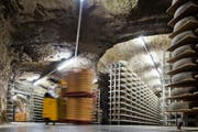 Kaltbach-Höhle des Milchkonzerns Emmi in Kaltbach. (Bild: Gaetan Bally / Keystone)