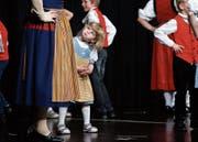Die Kindertanzgruppe zeigt am Unterhaltungsabend ihr Können. (Bild: Stefan Kaiser (Hünenberg, 4. November 2017))