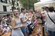 Die Stimmung am Luzerner Fest war auch am Samstagnachmittag gut. (Bild: Nadia Schärli (Luzern, 24. Juni 2017))