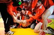Geschafft: Nach einer Durststrecke von fünf Jahren sind die Willisauer Ringer wieder Schweizer Meister. (Bild: Dominik Wunderli)