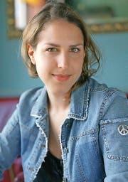 ...Laura de Weck (34) haben ihre Kolumnen nun in Büchern gesammelt. (Bild: Gaetan Bally, Keystone)