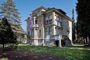 Rund 50 Aktivisten haben die Villa an der Obergrundstrasse 99 besetzt. (Bild Pius Amrein)