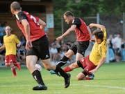 Sorgte mittels Penalty für den einzigen Treffer des Spiels: Driton Hoxha (am Ball). (Bild: Urs Hanhart (Schattdorf, 13. Juni 2017))