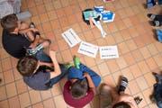 Die Initiative will verhindern, dass der Lehrplan 21 auch den Schwyzer Volksschulen eingeführt wird. (Symbolbild). (Bild: Dominik Wunderli)