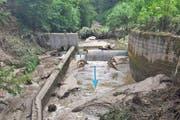 Verstopfter Rechen nach dem Hochwasser im Juni 2015 beim Einlaufbauwerk in den Entlastungsstollen Würzenbach. (Bild: PD)