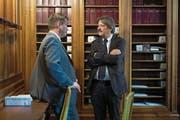 SP-Chef Christian Levrat (links) im Gespräch mit Ständerat Paul Rechsteiner (SP, St. Gallen). (Bild: Anthony Anex/Keystone (Bern, 18. September 2017))