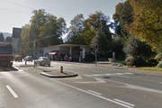 Der Unfall ereignete sich auf der Eichhofstrasse, unmittelbar nach der Einmündung Horwerstrasse. (Bild: Google Streetview)