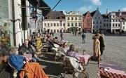 Der Rathausplatz in Tallinns historischer Altstadt, die zum Unesco-Weltkulturerbe gehört. (Bild: Sean Gallup/Getty (Tallinn, 24. März 2017))