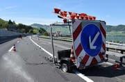 Der Lastwagen prallte in diesen Anhänger. (Bild: Kantonspolizei Nidwalden (Beckenried, 16. Mai 2017))