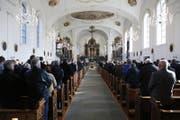 Blick in die Pfarrkirche St. Kathrina in Horw, wo die Trauerfeier für Friedel Rausch stattfand. (Bild: Timmy Memeti (Horw, 27. November 2017))