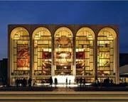 Bei Tag oder bei Nacht eine Augenweide – die Metropolitan Opera in New York. (Bild: Keystone (27. März 2010))