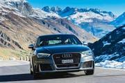 Mit dem Audi RS 3 Sportback (Bild), aber auch mit allen anderen RS-Modellen, ist jede Passfahrt – hier unterwegs am Gotthard – ein besonderes Vergnügen. (Bild Remo Eisner)