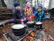 Esther Studerus hat die Betreuung der Waldkinder zu einer Weiterbildung animiert: Jetzt lässt sie sich zur Naturpädagogin ausbilden. (Bild blindtextblindtext)