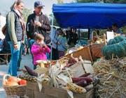 Ein reichhaltiges Angebot, gute Bewirtung und sonniges Wetter sorgten für einen erfolgreichen Markttag. (Bild Cornelia Bisch)