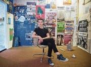 Julian Blum (22) hat an der Neustadtstrasse in Luzern eine neue Kunstlokalität eröffnet. (Bild: Boris Bürgisser (17. August 2017))
