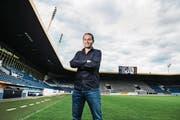 Der neue FCL-Sportkoordinator Remo Meyer an seinem neuen Arbeitsort: der Swisspor-Arena. (Bild: Dominik Wunderli (Luzern, 9. Juni 2017))