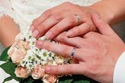 Nicht jede Eheschliessung ist von Romantik begleitet. (Symbolbild)