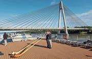 Herrliches Wetter, herrliche Kulisse: Alphorn-Workshop auf der Donau. (Bild: PD)