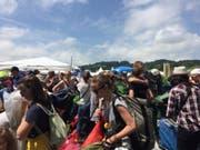 Mehrere hundert Besucher des Openair St. Gallen reisten schon am Mittwoch an und campierten vor dem Eingang zum Festival-Gelände. (Bild: sda)