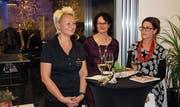 Sie standen am Freitag im Zentrum des Abends für Körper, Auge, Geist und Seele; von links: Karin Kempf-Gisler, Maria Schilter und Edith Schelbert-Bisig. (Bild: Bruno Arnold (Altdorf, 31. März 2017))