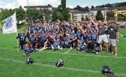 Die Luzern Lions feiern, nächsten Sonntag spielen sie um den Aufstieg in die A-Liga. (Bild: Michael Wyss (Luzern, 25. Juni 2017))