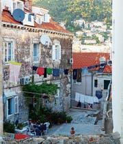 Blick in die weniger touristischen Hinterhöfe der süddalmatinischen Küstenstadt.