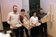 Die diesjährigen Gewinner des Innovationspreises (von links nach rechts): Melk und Sylvia Gut, Ennetmoos, und Annemarie und Bruno Käslin, Beckenried. (Bild: Richard Greuter (Stans, 19. März 2018))