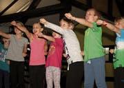 Die Kinder zeigen beim Karatekurs viel Begeisterung. (Bilder: Philipp Zurfluh (Schattdorf/Altdorf, 9. Oktober 2017))