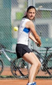Befindet sich im Aufwind: das 15-jährige Nachwuchstalent Kristina Milenkovic aus dem TC Sursee. (Bild Corinne Glanzmann)