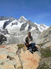 Richi Walker bewartet als Urner die Walliser Oberaletschhütte. (Bild: PD)