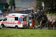 Mehrere Verletzte wurden in die umliegenden Spitäler gebracht. (Bild: Geri Holdener, Bote der Urschweiz)
