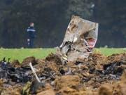 Bei dem Absturz des F/A-18-Kampfjets wurde der Pilot verletzt. (Archivbild) (Bild: Keystone/JEAN-CHRISTOPHE BOTT)