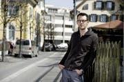 OK-Präsident Florian Spichtig an der Hofstrasse, wo ein Teil der Bar stehen wird. (Archivbild: Corinne Glanzmann)