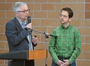 Die beiden Ärzte Christoph Merlo (links) Stefan Essig stellen ein Pilotprojekt vor. Bild: Urs Hanhart (Erstfeld, 20. März 2017)
