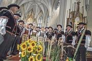 Der Jodlerklub Doppleschwand eröffnet das Entlebucher Jodlertreffen in der Pfarrkirche. (Bild: Pius Amrein (Doppleschwand, 19. August 2017))