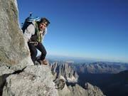 Alpinist Ueli Steck auf seiner spektakulären Viertausender-Tour im Jahr 2015. (Bild: Facebook / Ueli Steck)