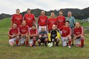 Den Fussballern des Schwyzer Kantonsrats fehlte manchmal das nötige Glück. (Bild: PD)