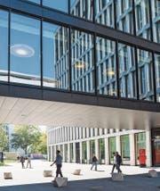 Der Zuger Campus des amerikanischen Gesundheitskonzerns Johnson & Johnson. (Bild: Patrick Hürlimann (21. September 2017))