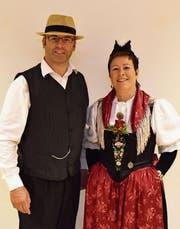 Peter Gisler und Marlene Melchiori: Die beiden «Stiniger»-Geschwister prägen die Konzertreihe der Bauernmusik Altdorf und des Jodlerklubs Seerose Flüelen mit. (Bild: Georg Epp (Flüelen, 29. Oktober 2017))