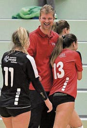Freude bei Volleya-Trainer Nik Buser. (Bild: PD)