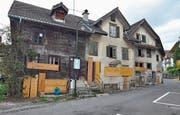 Diese Häuser an der Rigigasse in Küssnacht sollen weichen. (Bild: Edith Meyer (Küssnacht, 23. November 2017))