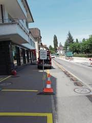 Eine Tafel bei der Baustelle auf der Seestrasse forderte die Velofahrer zum Absteigen auf. (Bild: PD)