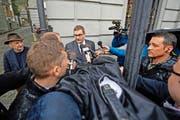 Oberstaatsanwalt Thomas Imholz nach der Eröffnung des Obergerichtsurteils am 18. April. Doch schon während des Gerichtsverfahrens war er mit kritischen Fragen konfrontiert. (Bild Pius Amrein)