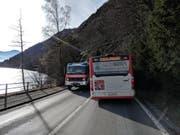 Die Strecke wurde für den Verkehr gesperrt. (Bild: Geri Holdener, Bote der Urschweiz)