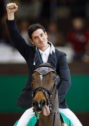 Freuen Sie sich auf die gemütlichen Stunden mit Ihrem eigenwilligen Pferd wie hier Nino des Buissonnets? Mancher Dame fällt hier wohl eher der Schweizer Springreiter, Steve Guerdat, auf. Hoffen Sie auf Ihren Traummann, der so aussehen soll? (Bild: Keystone/Valentin Flauraud)