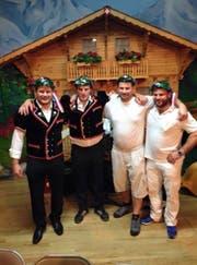 Christian Schuler (links) hatte in Ripon sichtlich Spass. (Bild: Schwingklub Flüelen)