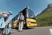 Erschliessungen mit dem öffentlichen Verkehr – wie hier über den Klausenpass – sind für die Wohn- und Standortqualität der Bergregionen von grosser Bedeutung. (Bild: Florian Arnold (Klausenpass, 14. Juli 2015))