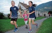 Viele junge Läufer gaben bei den ersten beiden Abendläufen bereits Vollgas. (Bild: Urs Hanhart (Seedorf, 30. August 2017))