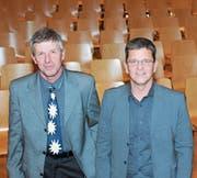 Nach der Versammlung wieder vor leeren Rängen: Niklaus Ettlin (links) wird als Präsident der Korporation Kerns morgen Freitag durch Markus Ettlin abgelöst. (Bild: Markus von Rotz (Kerns, 29. November 2017))
